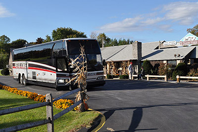 Dakin Farm's Ferrisburgh location can accomodate tour buses.