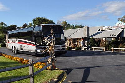 Dakin Farm's Ferrisburgh location can accomodate tour buses.